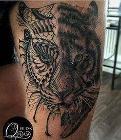 oberschenkel tätowieren, tigerkopf, tattoo in schwarz und weiß