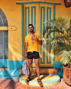 Leaving Mexico with a full heart and stomach. Outfits For Mexico, Nye Outfits, Short Outfits, Summer Outfits, Mode Masculine, Men Looks, Birkenstock Fashion, Birkenstock Men, Tomboy Fashion