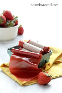 Easy Homemade Strawberry Fruit Leather Recipe - guilt free fruit roll ups Fruit Snacks, Fruit Recipes, Kids Fruit, Fruit Food, Healthy Recipes, Strawberry Fruit Leather, Fruit Leather Recipe, Fruit Roll Ups, I Love Food
