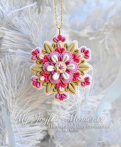 Polímero artesanales arcilla Mini Floral copo de nieve ornamento