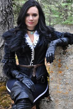 Yennefer from The Witcher 3 Cosplay Yennefer Cosplay, Mode Russe, Witcher Wallpaper, Mode Steampunk, Yennefer Of Vengerberg, Gothic Mode, Gloves Fashion, Leder Outfits, Black Leather Gloves
