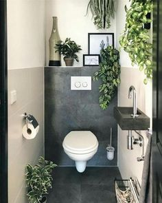 Baños de cortesía y cómo lucir uno de 10 – Decoración de Interiores Small Toilet Room, Small Bathroom, Small Toilet Decor, Small Toilet Design, Relaxing Bathroom, Master Bathroom, Bathroom Canvas, Bathroom Wall, Bathroom Storage
