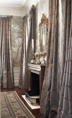 Eye For Design: Decorating With Grisaille For Soft Elegant Walls