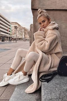 outfits with leggings \ outfits . outfits for school . outfits with leggings . outfits with air force ones . outfits with sweatpants . outfits with black jeans Leggings Outfit Fall, Legging Outfits, Athleisure Outfits, Athleisure Fashion, Cardigan Outfits, Pants Outfit, Skirt Outfits, Moda Fashion, Sport Fashion