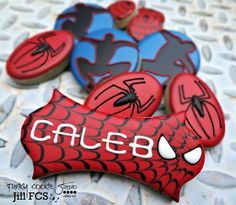 Spider man cookies by Jill FCS New Years Cookies, Cookies For Kids, Cut Out Cookies, Cute Cookies, Yummy Cookies, Spiderman Cookies, Superhero Cookies, Superhero Spiderman, Batman