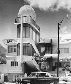 Quinta Las Palmas. Casa otorgada a la Miss Mundo Susana Duijm en 1955 por parte del gobierno del General Marcos Pérez Jiménez, con motivo de haber ganado dicho certamen internacional.