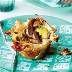 Creamy mushroom filo tartlets recipe. These cute vegetarian tarts are great for a light lunch, as a starter, or as part of a buffet.