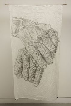 32 Skin is a beautifully moving series, by artist Kim Anderson, that consists of highly detailed drawings of aging hands. Drawing Skills, Figure Drawing, Painting & Drawing, Human Skin Texture, Texture Sketch, Old Hands, Drawing Projects, Hand Sketch, Pencil Art Drawings