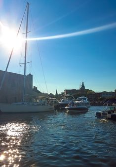 With the Chesapeake Bay as it's backyard, Annapolis is a great destination for a relaxing weekend trip. www.casualtravelist.com