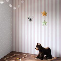 壁紙屋本舗×サンゲツ オリジナル壁紙「Harelu」 ストライプ×ステラ 子供部屋 星  stripe pink wallpaper kids girls
