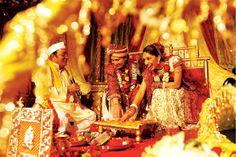 O casamento é um ritual tradicional, mas existem diversos outros rituais que são tradicionais em seus países, veja alguns rituais de casamento curiosos, estranhos e muito interessantes: