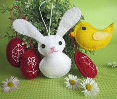 Set of 5 Felt Easter Ornaments by Exina