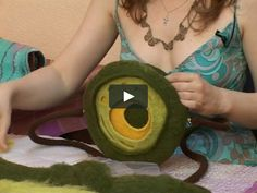 a lesson on creating a felt bag