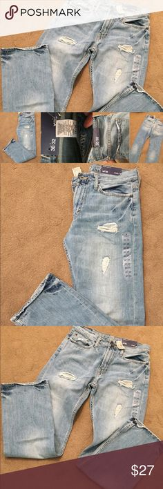 AEO ORIGINAL STRAIGHT JEAN 30X32 AEO relaxed fit light desyroy wash men jeans. Brand new with tags! American Eagle Outfitters Jeans Relaxed