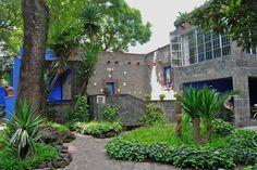 Frida Kahlo's house (Casa Azul, courtyard)