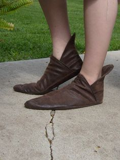 Soft Renaissance Shoe---Pointed Toe---Unisex---Made To Order