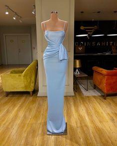 Fashion January 22 2020 at fashion-inspo Gala Dresses, Event Dresses, Formal Dresses, Look Formal, Light Blue Dresses, Beautiful Gowns, Dream Dress, Pretty Dresses, Dress To Impress