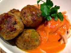 Patrícia is cooking.: Almôndegas em molho de tomate e tagliatelle {Vegan...