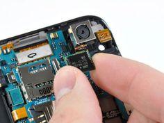 Làm thế nào để hiểu về cấu hình điện thoại? Hai thành phần cơ bản nhất của smartphone khi nói về cấu hình là RAM và bộ vi xử lý. Không phải cứ dung lượng RAM càng lớn, vi xử lý càng nhiều...
