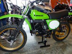 Immaculate 1978 Kawasaki on display at the 2015 Siege Vintage MX Show -- Renton, Wa. Mx Bikes, Motocross Bikes, Vintage Motocross, Cool Bikes, Bicycle Painting, Bicycle Art, Vintage Bikes, Vintage Motorcycles, Kawasaki Dirt Bikes