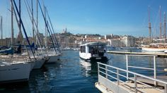 Ferry-boat Marseille Vieux-port. -- @NeoZarrivants