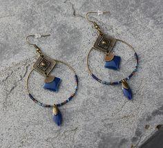 Boucles d'oreilles créole ethnique bronze tons bleu perles miyuki breloque sequin émaillé losange éventail bijou fait main créateur unique