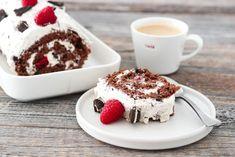 RULLEKAKE MED OREOKREM OG BRINGEBÆR   TRINES MATBLOGG Frisk, Tiramisu, Baking, Ethnic Recipes, Food, Bakken, Essen, Meals, Tiramisu Cake