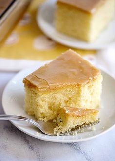 Yellow Cake with Old Fashioned Peanut Butter Icing That old fashioned boiled icing that grandmother's used to make. It hardens like fudge! Peanut Butter Frosting, Peanut Butter Fudge, Cake Mix Recipes, Dessert Recipes, Sweets Recipe, Dessert Salads, Cake Cookies, Cupcake Cakes, Cupcakes
