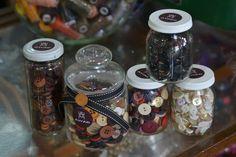 Frascos de botones para artesanías