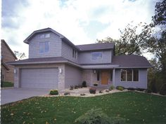 Traditional House Plan Front of Home - plan #072D-0332 | houseplansandmore.com
