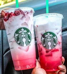 Uploaded by MARJELY. Find images and videos about starbucks on We Heart It - the app to get lost in what you love. Uploaded by MARJELY. Find images and videos about starbucks on We Heart It - the app to get lost in what you love. Starbucks Frappuccino, Bebidas Do Starbucks, Iced Starbucks Drinks, Café Starbucks, Starbucks Strawberry, Starbucks Refreshers, Strawberry Lemonade, Ombre Pink Drink, Iced Coffee