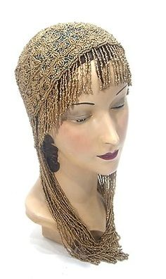 Turquoise and Gold Beaded Flapper Cap 1920s Hats, 1920s Flapper, Flapper Girls, Vintage Accessories, Hair Accessories, Vintage Outfits, Vintage Fashion, Victorian Fashion, Anna Pavlova