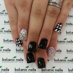 black/white nails