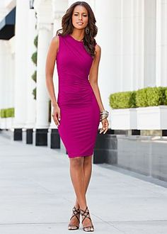 Ruched detailed dress