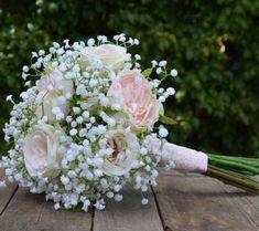 Buquê de flor mosquitinho e rosas