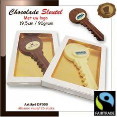 Chocolade Sleutel met logo - Choco Paradijs! Chocolade Sleutel van 90 gram voorzien van uw logo. Te bestellen vanaf 25 stuks. #chocoladelogo  #relatiegeschenken