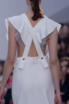 contrasting line quality - soft, floaty - structured, linear - still remaining clean and simple