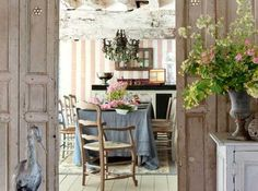 I love French country home.