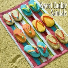 Make your own Cookie Flip Flops (sandals) for a beach themed party >> DIY- Food Art <<