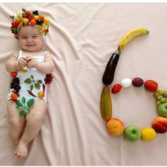Check out 15 adorable baby photos to brighten up your day and will blow your mind. These cute babies makes everyone happy and make your day cool. Monthly Baby Photos, Newborn Baby Photos, Baby Girl Photos, Baby Poses, Cute Baby Pictures, Baby Boy Newborn, Baby Baby, Baby Girls, Monthly Pictures