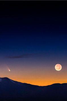 Comet PanStarrs & Earthshine Moon, by Greg Essayan, on 500px.