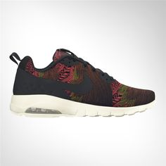 new concept 3dae1 0d1a9 Women s Nike Air Max Motion LW Print Shoe gives you that legendary Air Max  cushioning with a slim, streamlined design.