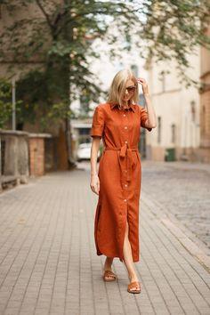 Shirt dress CANNES in redwood, Buttoned linen dress, Summer dress handmade by LinaKraun - Dress Honey Linen Shirt Dress, Linen Dresses, Casual Dresses, Casual Outfits, Fashion Outfits, Womens Fashion, Linen Shirts, Linen Tunic, Gothic Fashion
