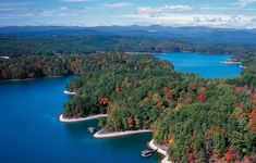 South Carolina fall foliage. This aerial is of The Reserve at Lake Keowee. Farmers' predicts Oct. 19 – Nov. 4 as prime time peak colors for ...