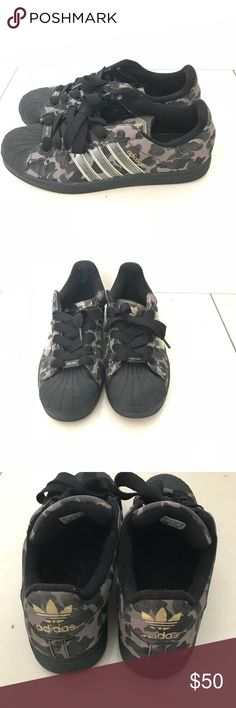 the latest 845eb 509df Shop Mens adidas Black Green size 12 Sneakers at a discounted price at  Poshmark. Description Used gently rare shoes.