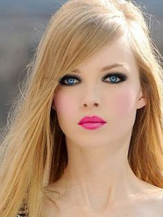 Gorgeous makeup - pink lip, smoky eyes