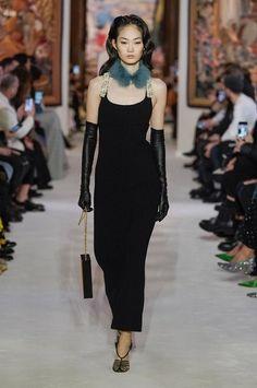 Lanvin Fall 2020 Ready-to-Wear Collection - Vogue 1980s Fashion Trends, Summer Fashion Trends, Fashion 2020, Look Fashion, Runway Fashion, Fashion Show, Fashion Outfits, Gothic Fashion, Paris Fashion