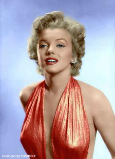 Forever Beautiful • Marilyn Monroe photographed by Bruno Bernard,1952
