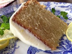 This Key Lime Poundcake is sweet, however the substantial addition of lime zest propels it to a new world of citrus wonder. Key Lime PoundCake with Key Lime Cream Cheese Icing 4 sticks butter, tha… Brownie Desserts, Mini Desserts, Oreo Dessert, Coconut Dessert, Just Desserts, Dessert Recipes, Disney Desserts, Coconut Rum, Lemon Desserts