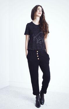 Look Colección Otoño-Invierno 14. Pantalon punto NANO Black+ camiseta TAMI